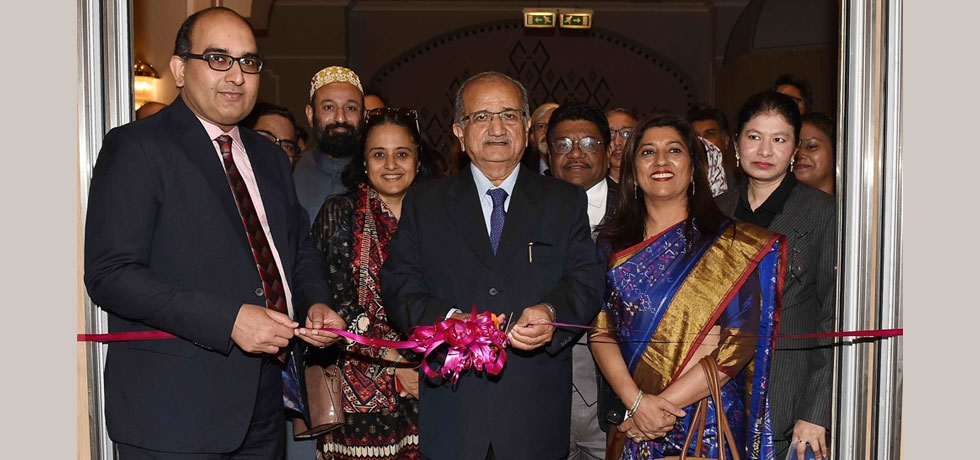Hon'ble Minister of Education of Gujarat Shri Bhupendrasinh Chudasama inaugurates the exhibition and roadshow under the