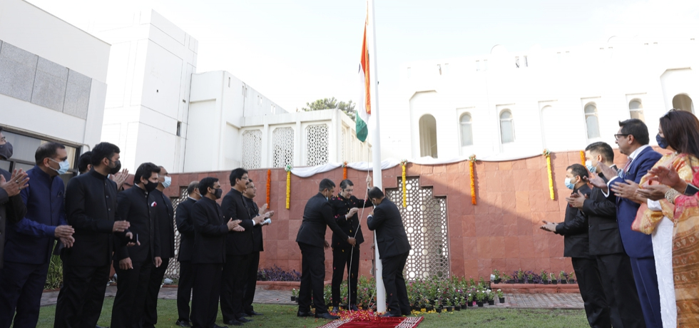 Consul General Dr. Aman Puri hoisted the Indian Tricolor on the occasion of 75th Independence Day of India. 15 August 2021